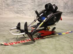 Sit-ski-barn